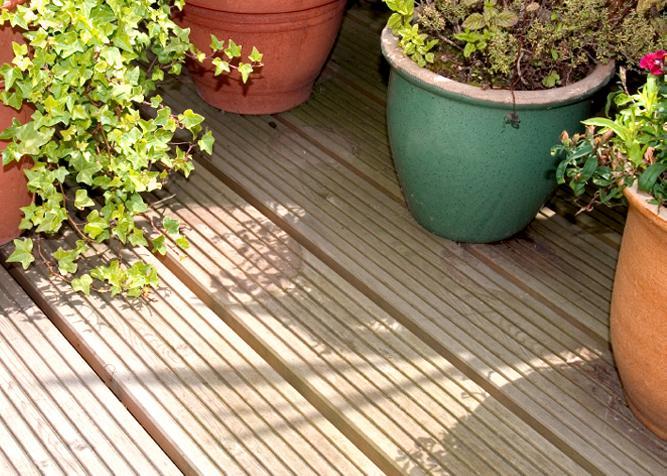 Twinson Terrassenelemente aus 50% Holz und 50% PVC