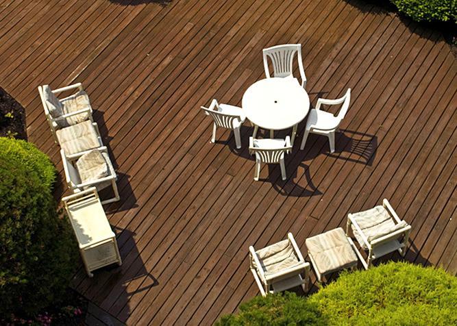 Terrassenboden aus Bankirai Massivholz