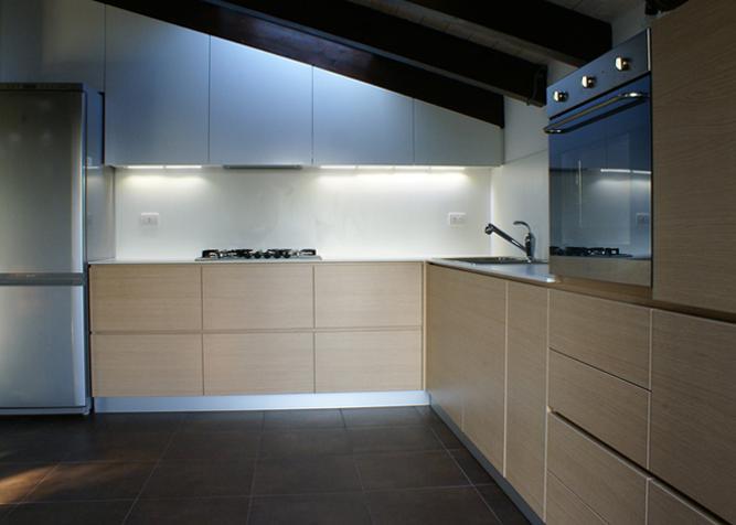 Küchenfronten unter einer Dachschräge